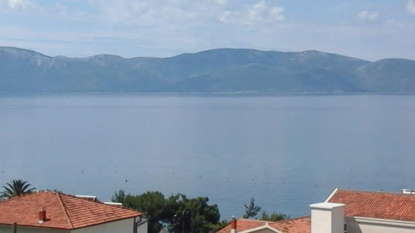 Ljepi apartman sa pogledom na more. - Gradac - Apartment
