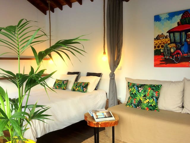 Bananas Lodge - Charming bungalows - Surf, Golf - Ribeira Grande