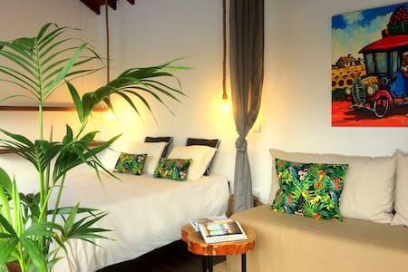 Bananas Lodge - Charming bungalows - Surf, Golf - Ribeira Grande - Chalupa