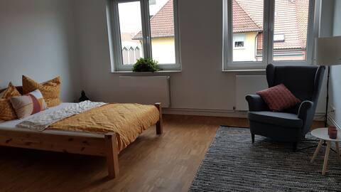 Hannover-Südstadt- Zimmer mit eigenem Badezimmer