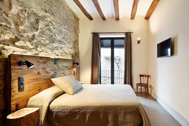 Hab doble en FALSET con baño y terraza - Falset - Huis