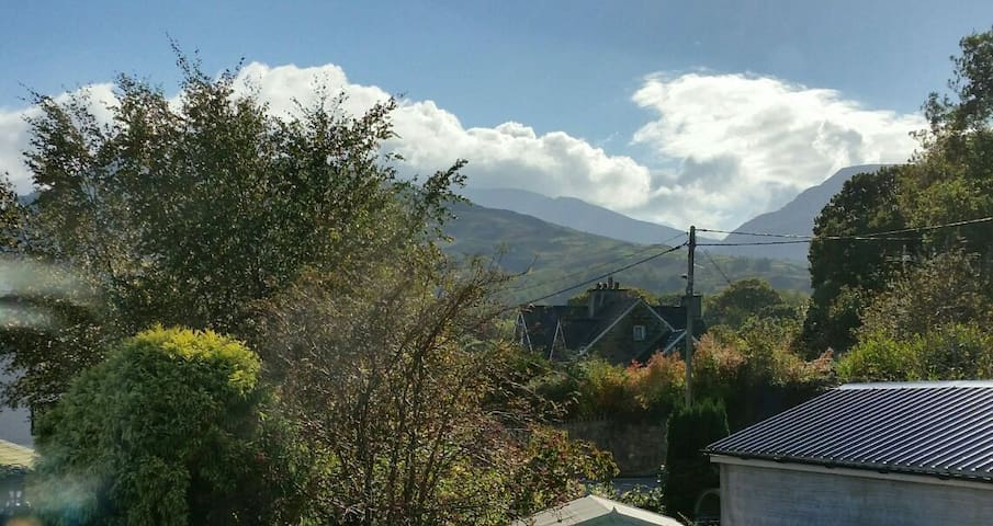 Cosy quarryman's cottage in the heart of Snowdonia