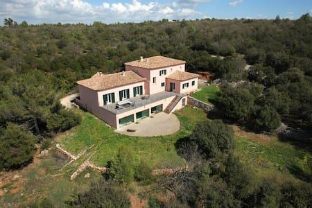 Villa des Cistes, Piscine int.  28° toute l'année! - Saint-Maximin-la-Sainte-Baume - Villa