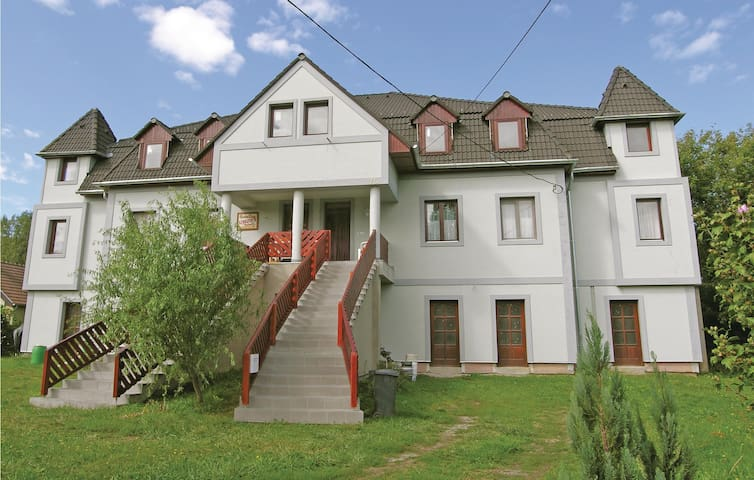 Holiday apartment with 3 bedrooms on 125 m² in Kehidakustány