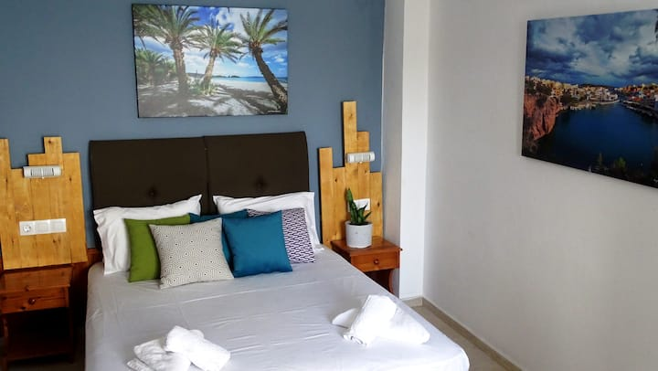 Malia Boutique Studio w/ Balcony in Malia old town