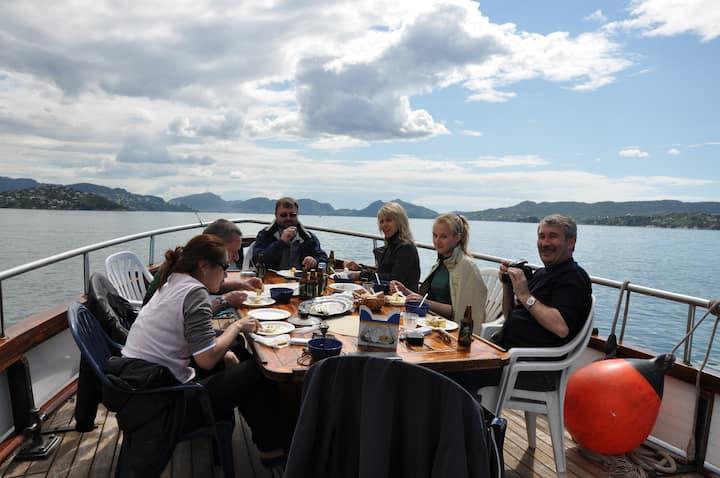 www.bergenfjordtours.no     Weller