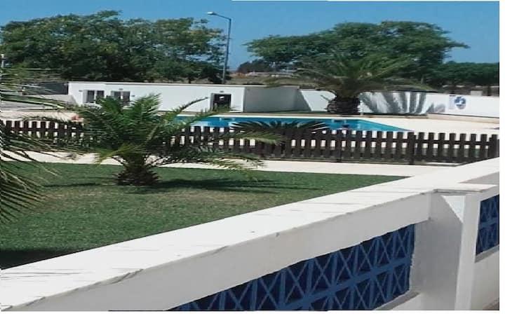 Santa Luzia, Apartamento T2 com piscina