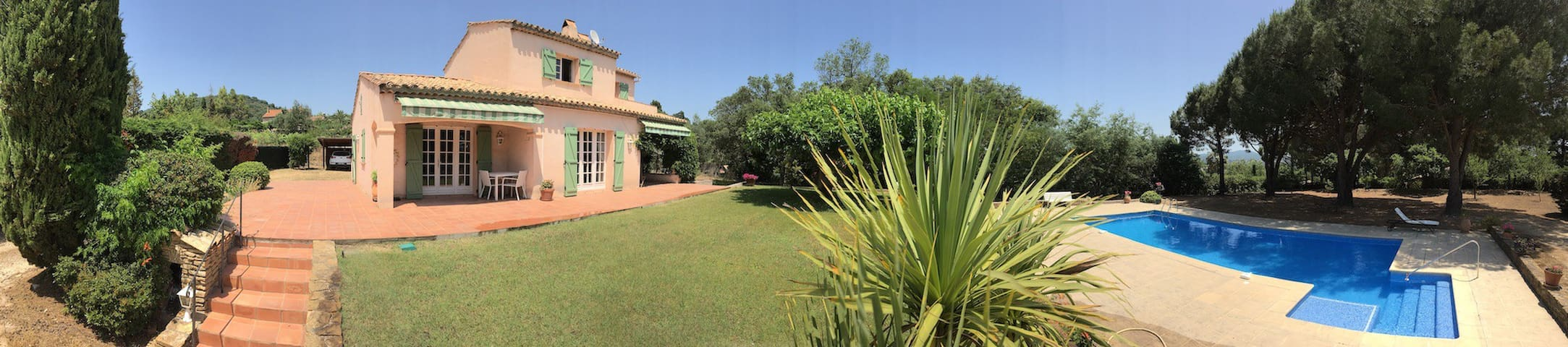 110m2 villa, 3,000m2 garden with large pool