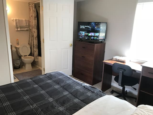 Entire Basement, 420 friendly patio, bed and futon