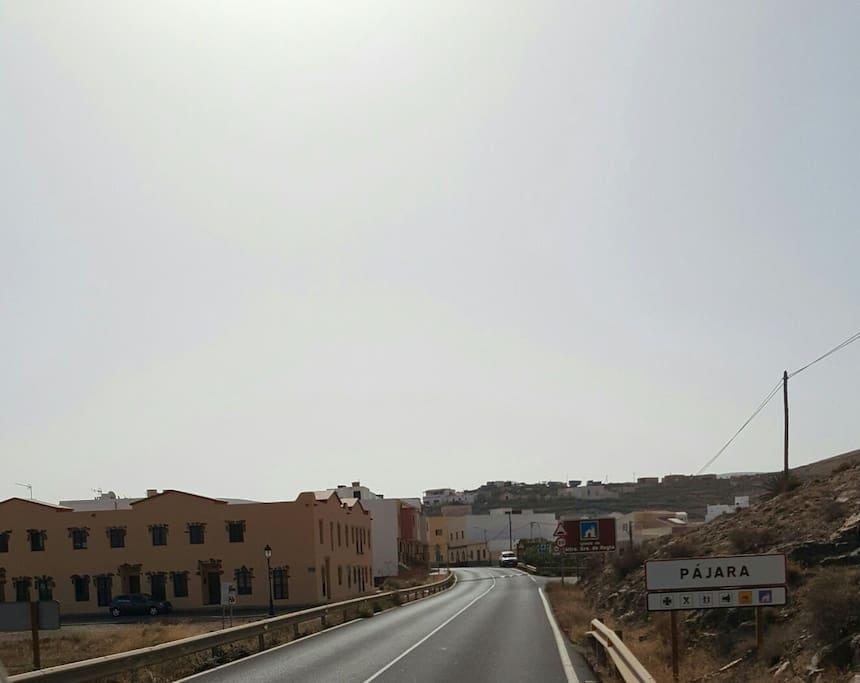 Está es la entrada al pueblo si vienes desde la parte sur de la isla, por ejemplo desde el puerto de Morro Jable.