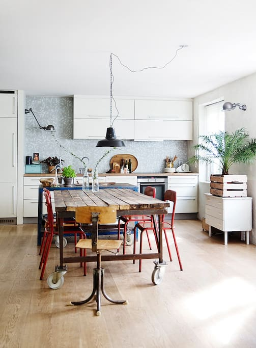kitchen downstairs, same room as livingroom