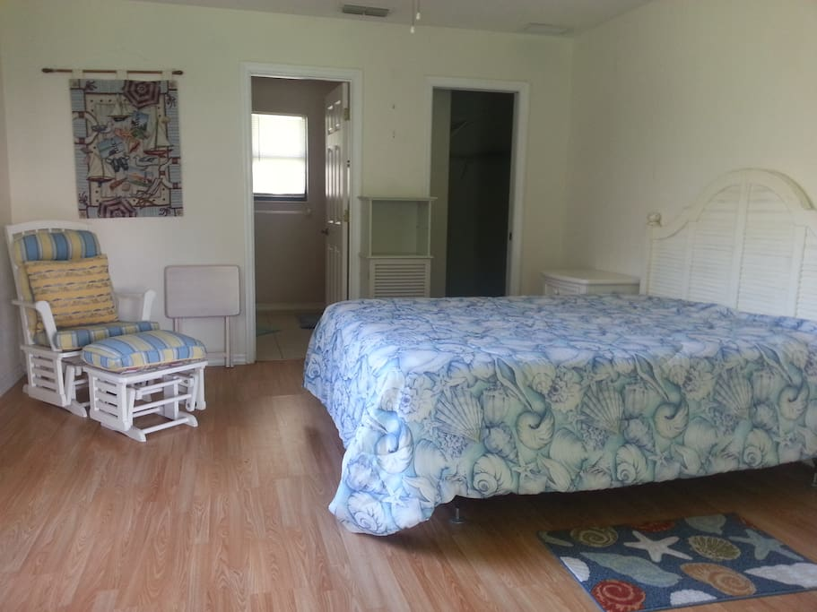 Comfortable queen size bed, laminate floors. Private master bathroom