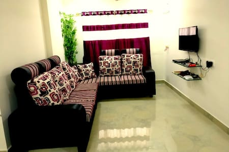 New Furnished ACroom w Wifi&Breakfast at Annanagar - Flat