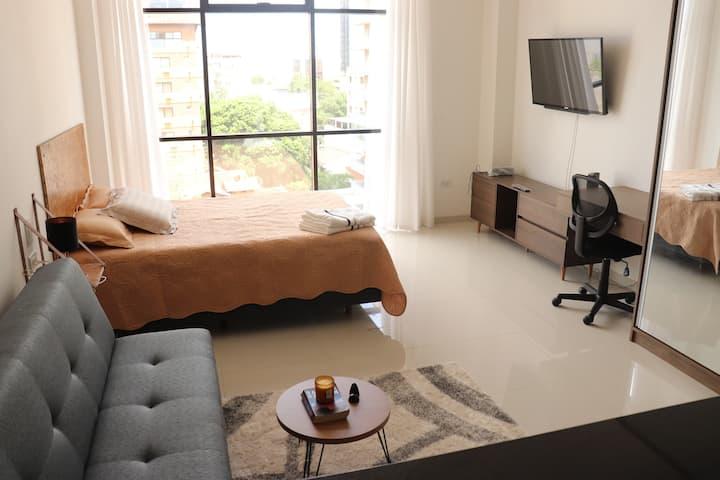 Moderno monoambiente céntrico c/AC, Wifi y parqueo