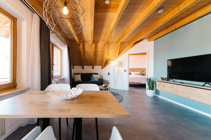 "Modern 2 Room-Apt. ""BlackForest Art"" near Freiburg"