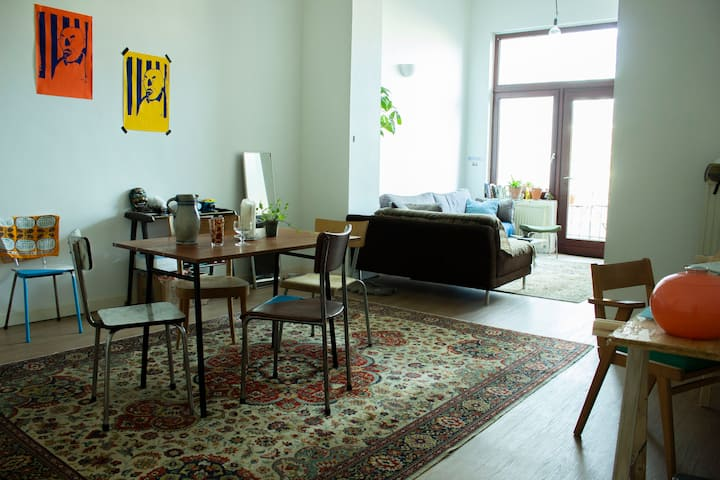 Logement entier, avec chambre et terrasse, Ixelles