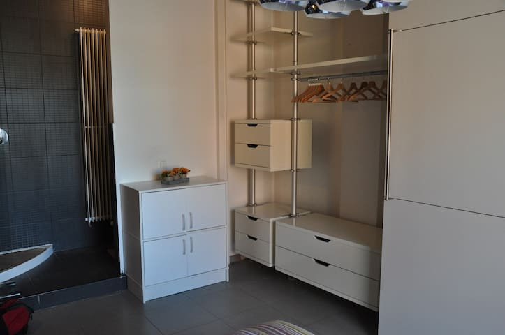 Loft NY style, close to Tour&Taxis