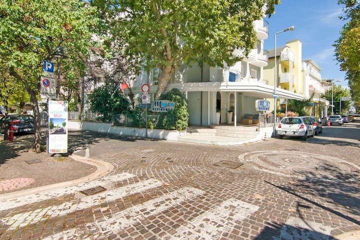 Residence in rustige zone van Riccione op 50 meter afstand van de zee