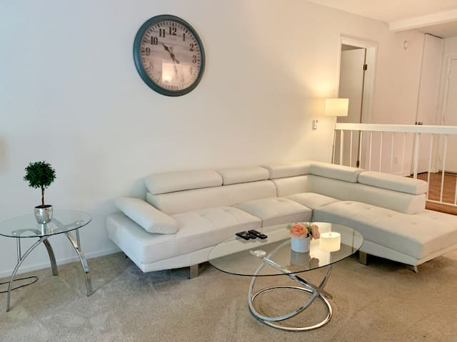 2 BEDROOMS 3 QUEEN BEDS, VENICE BEACH, MARINA