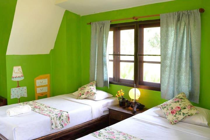 Swiss Cottage near Chiang Mai! - Rumah
