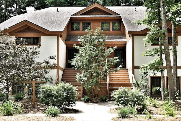 Luxury Rental on Boyne Mountain, 4 bedrooms/4 bath