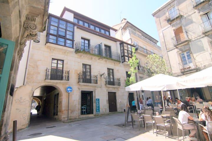 Emblemático y genuino: la entrada al Casco Viejo.