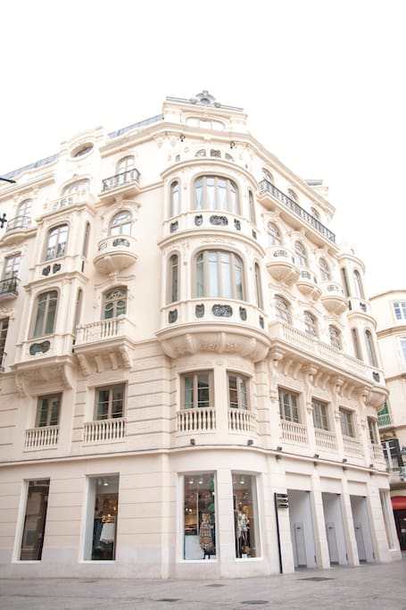 Luxury historic city center apartments for rent in for Hotel malaga premium