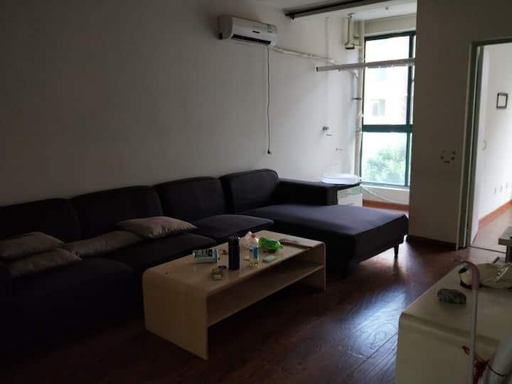 个人的房子,一直是自己住,现在搬走了,对外出租