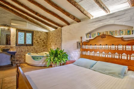 Casa Mario. Amazing and cozy little house  :) - Casares - Hus