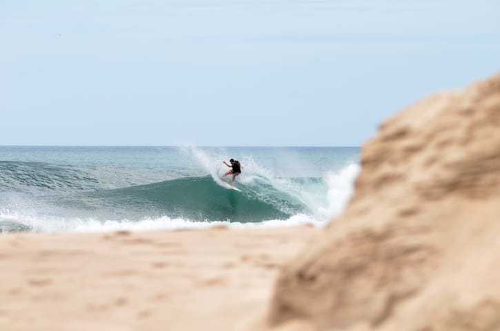 Fort Walker: Surf studio at Panga Drops surf break - Tola