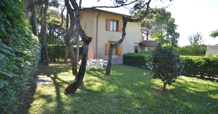 apt for 4+1 persons with a/c in Bibione R25913