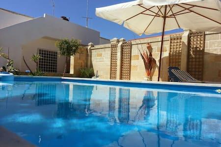 LECCE Casalabate  villa con piscina - Casalabate - Rumah