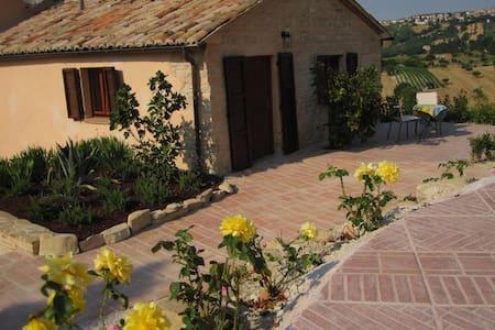 Kleines Appartment (Italien/Marken) - Staffolo - Apartment