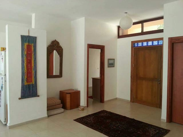 Large Beautiful House with an Amazing View - Amirim - Rumah