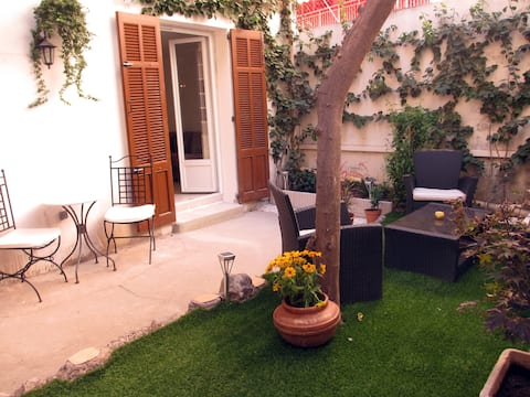 studio 30m² with private garden 5mn from the sea