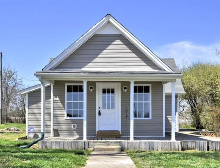 rooms to go clarksville tn a tennessee tiny house sleeps 6 houses for rent in 19644