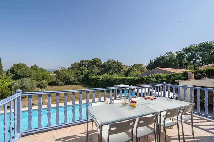Cozy Villa in Malves-en-Minervois with Swimming Pool