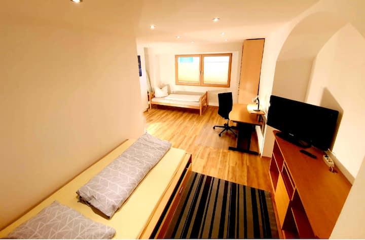 Günstiges kl. Premiumzimmer mit 2-Betten