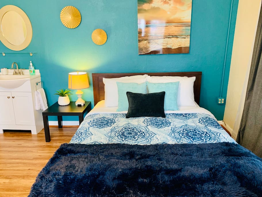 Great space and a convenient location in the Gaslamp district. Rima