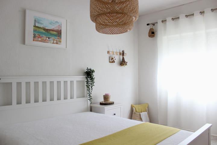 Private room in Lisbon South Bay, Miratejo