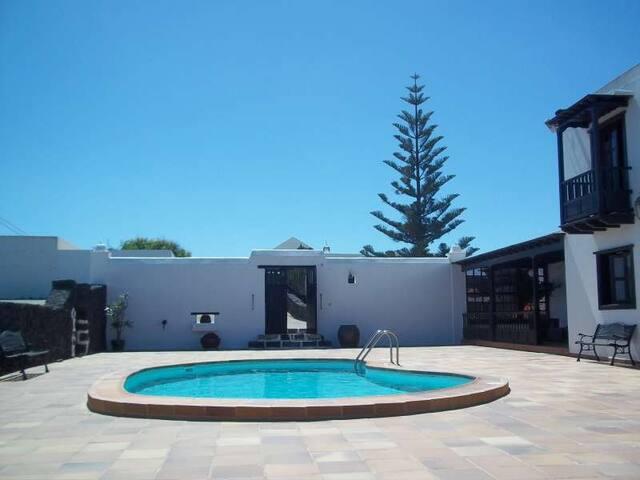 Villa IZLITI in El Islote for 6 per - El Islote - Vila
