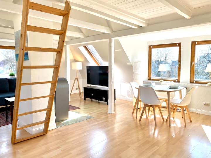 Schnuckelige, ruhige Dachgeschosswohnung Holtenau