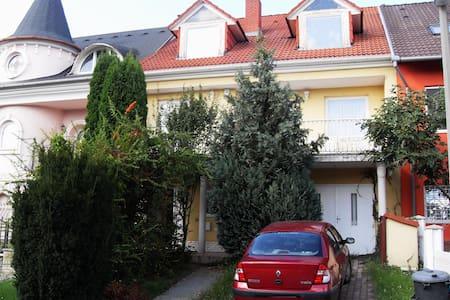 Private house part in garden environment - Pécs - Talo