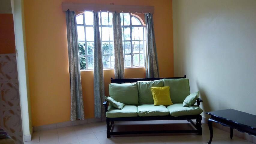Homestay in Nairobi - Kahawa Sukari - Haus