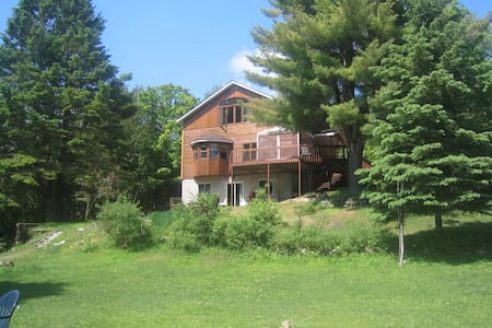 Huge waterfront cottage bar & pool - Wentworth-Nord - Stuga