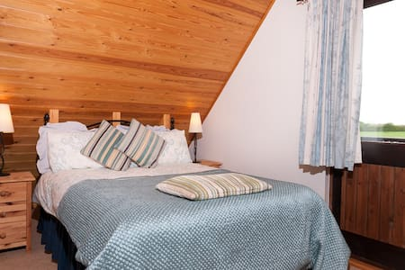 Scandinavian style Chalet near Shaftesbury, Dorset - West Stour