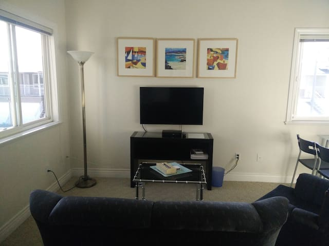 10 MIN to YVR - Richmond - Lägenhet