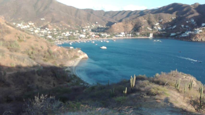 Cabañita taganga mar caribe