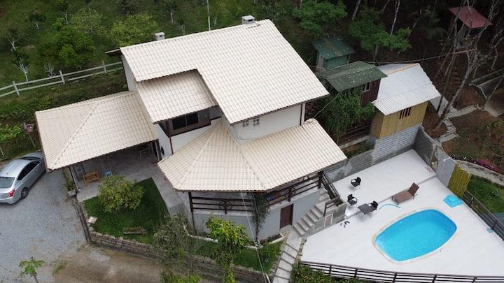 Ótima Casa de campo