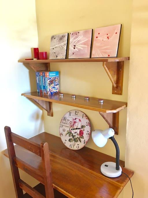Room - Desk and shelves